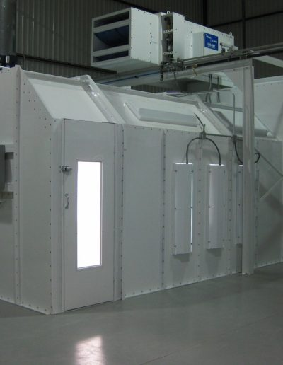 RTT Engineered Solutions EZ Classic Crossdraft Paint Booth