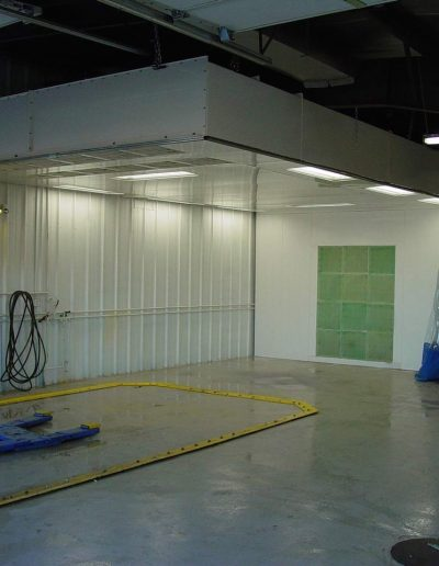 RTT Engineered Solutions Paint Booth Finishing Prep Station